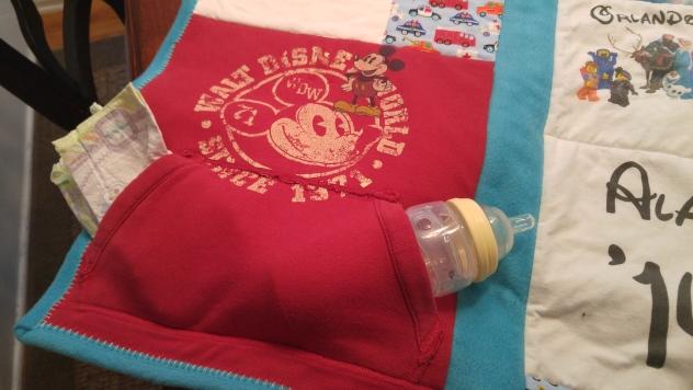 Useful sweatshirt pocket in tact